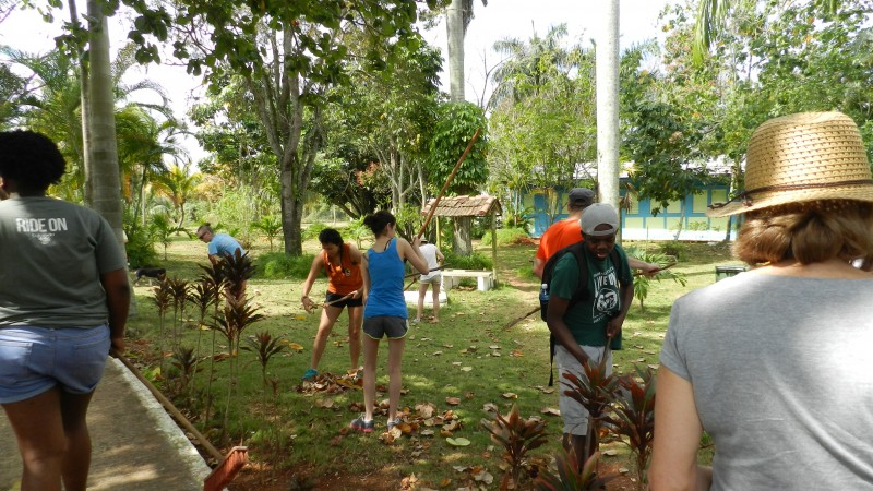 Students doing community service at the Julio Antonio Mella International Camp