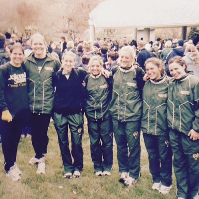 Robinson (third from right) with her CSU cross country teammates.