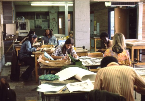 Students in a printmaking class in Aylesworth Hall at CSU in 1975