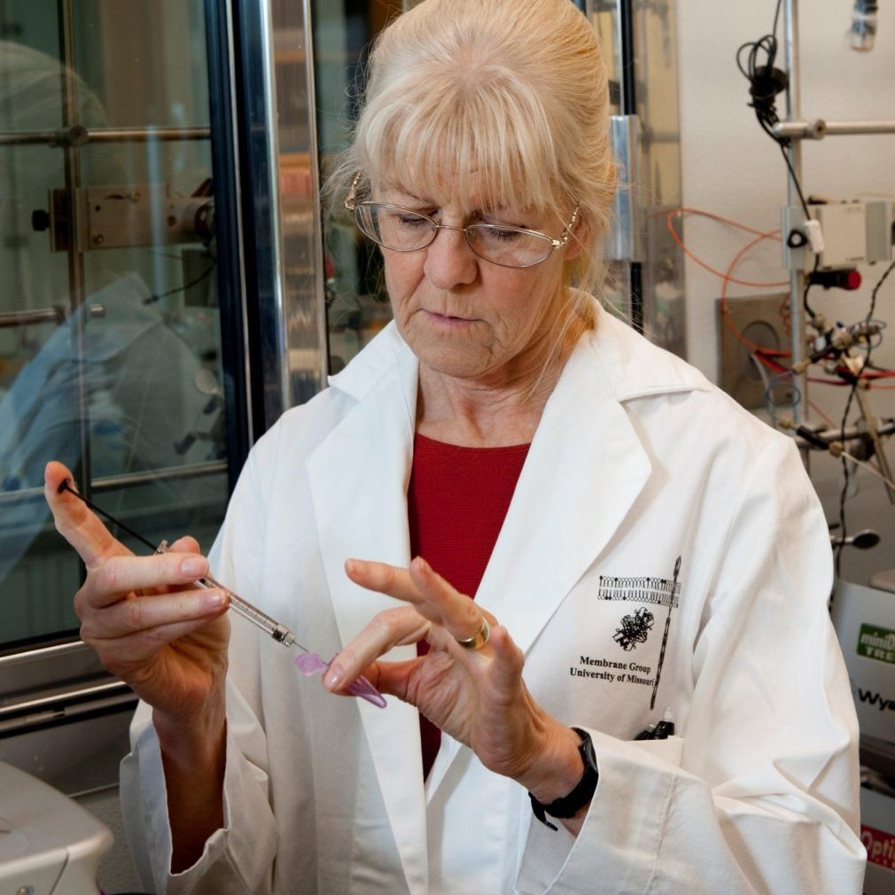 Lin Randall in a research lab